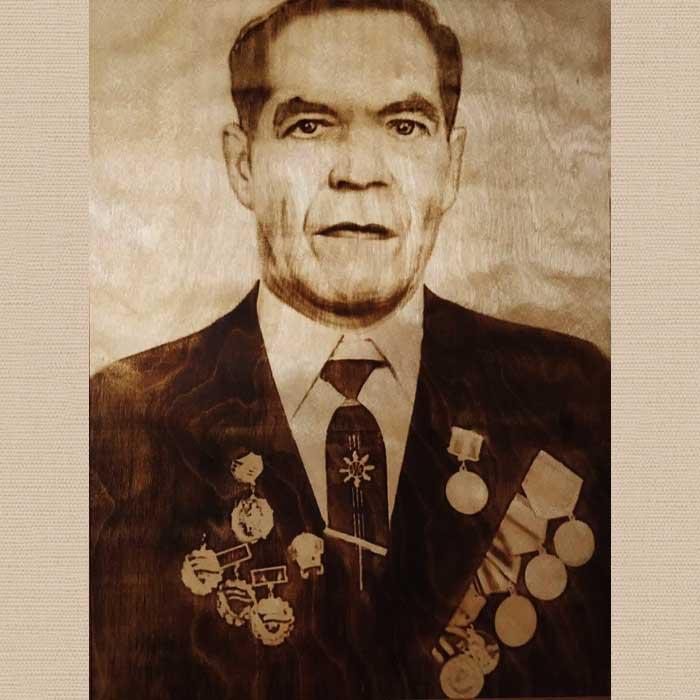 Портрет выжженный на дереве по фото ветерана к 9 мая